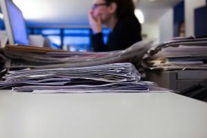 Viele Daten, mit denen Behörden immer noch arbeiten, existieren nur auf Papier. (Bild: Flickr/Jaypeg)