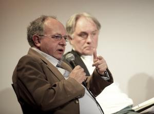 """Thomas Leif und Volker Lilienthal auf der Message-Fachtagung """"Medienjournalismus – Probleme und Perspektiven"""" im April 2010. Foto: Andreas Lamm"""